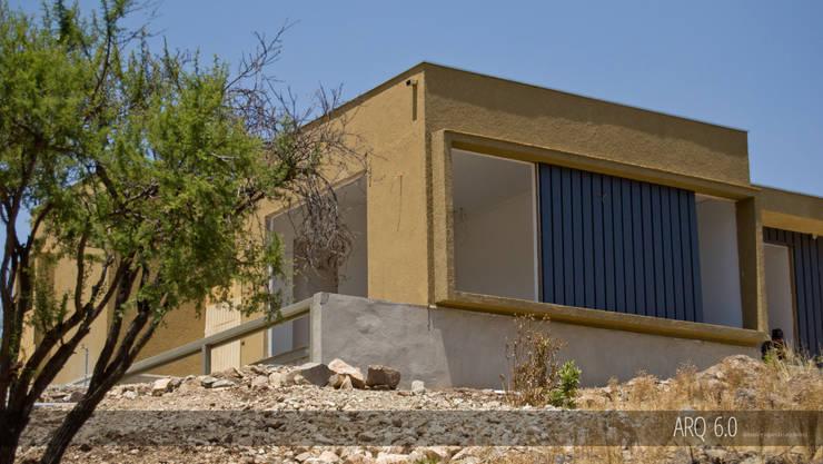 Casas de estilo moderno por Arq6.0