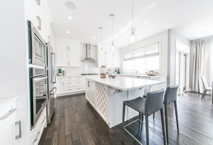 Broadview Showhome:  Kitchen by Sonata Design