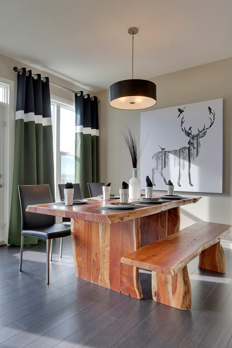 121 Hillcrest Drive: modern Kitchen by Sonata Design