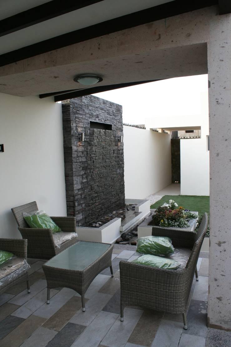Fuente: Terrazas de estilo  por Daniel Teyechea, Arquitectura & Construccion
