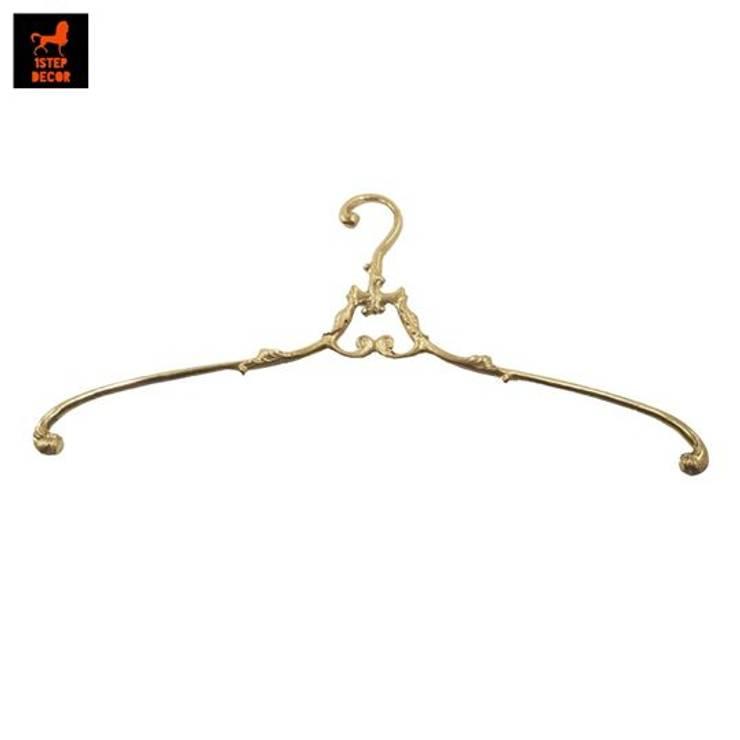 ไม้แขวนเสื้อทองเหลือง (Brass Hanger):   by 1STEP DECOR