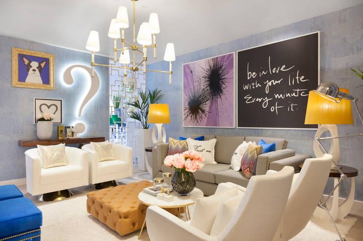 Projekty,  Salon zaprojektowane przez Interdesign Interiores