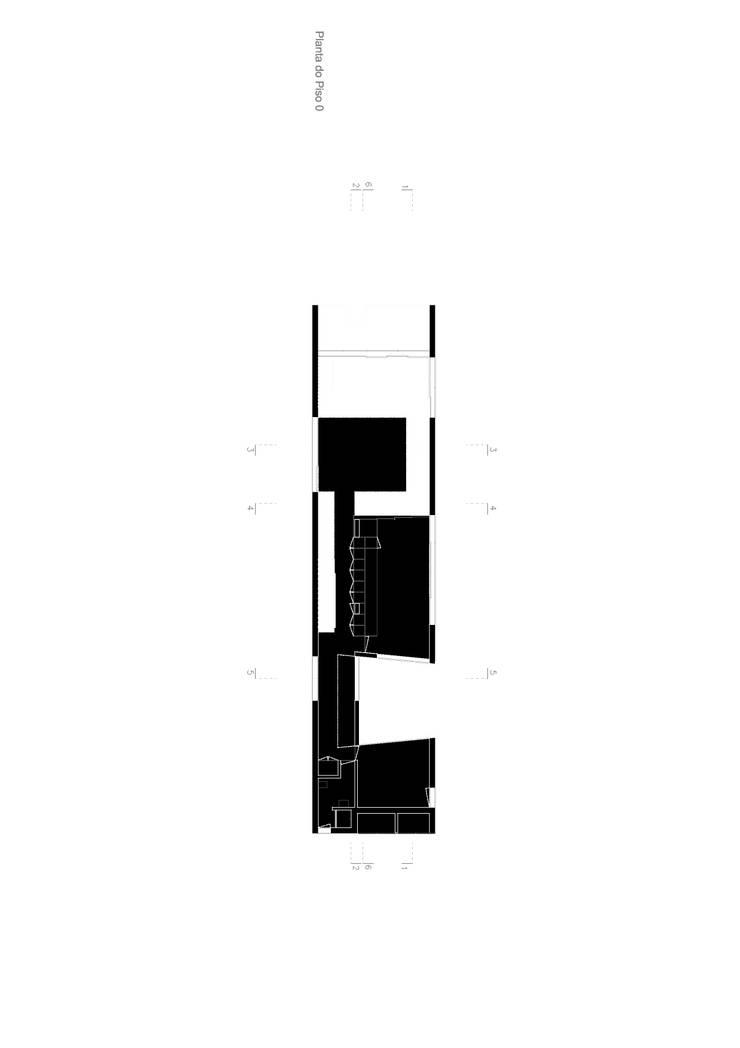 House in Areia , Cascais: Salas de estar  por Pedro Mendes Arquitectos
