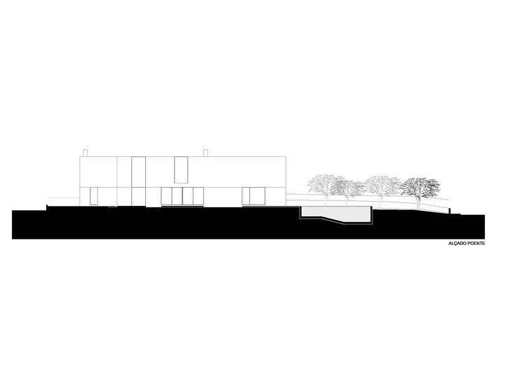 House in Areia , Cascais: Casas  por Pedro Mendes Arquitectos