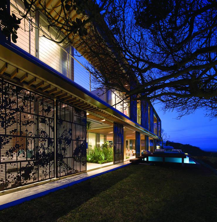 La Lucia:  Houses by ARRCC, Eclectic