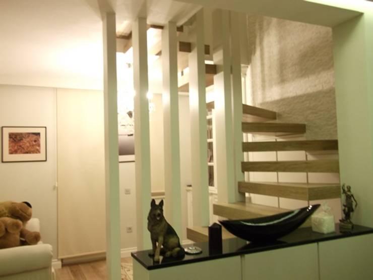 Dekosam – Dekor Merdiven:  tarz , Rustik Masif Ahşap Rengarenk