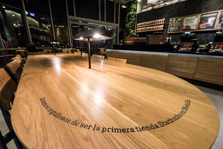 La madera: Oficinas y Tiendas de estilo  por Perceptual