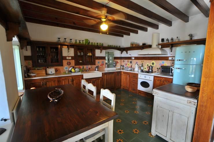 Küche von Ebru Erol Mimarlık Atölyesi