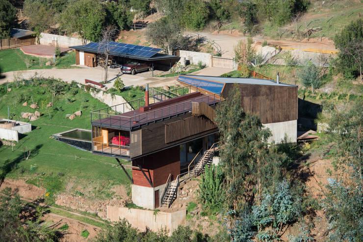 Casa El Maqui: Casas de estilo moderno por GITC