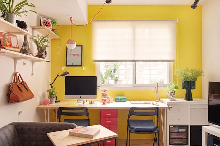 Study/office by 一葉藍朵設計家飾所 A Lentil Design