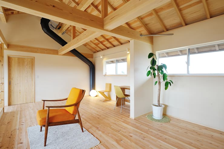 Phòng giải trí theo 株式会社 建築工房零, Chiết trung Gỗ Wood effect