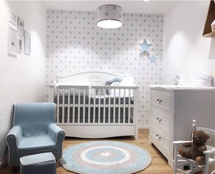 Nursery: classic Nursery/kid's room by Funique Furniture
