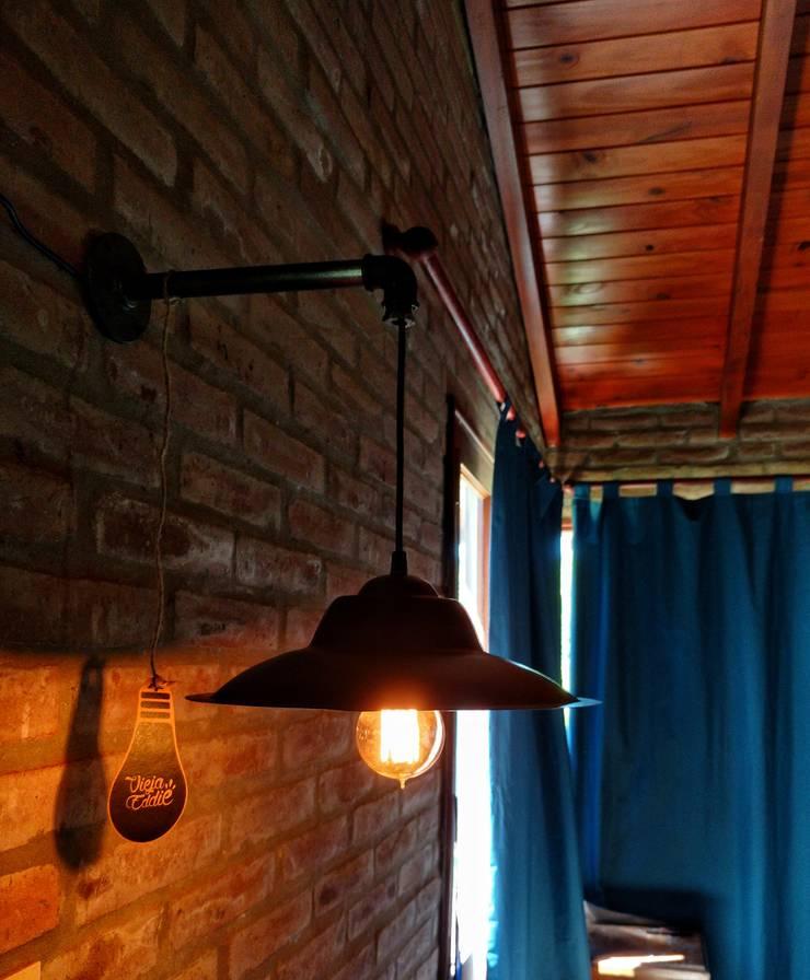Aplique Pared Pantalla Colgante:  de estilo industrial por Lamparas Vintage Vieja Eddie,Industrial Hierro/Acero