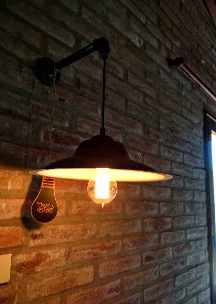 Lámpara Pared Pantalla Colgante:  de estilo industrial por Lamparas Vintage Vieja Eddie,Industrial Hierro/Acero