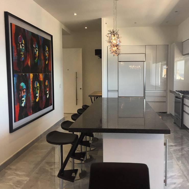 PH D Terrace zona romantica: Cocinas equipadas de estilo  por DECO Designers