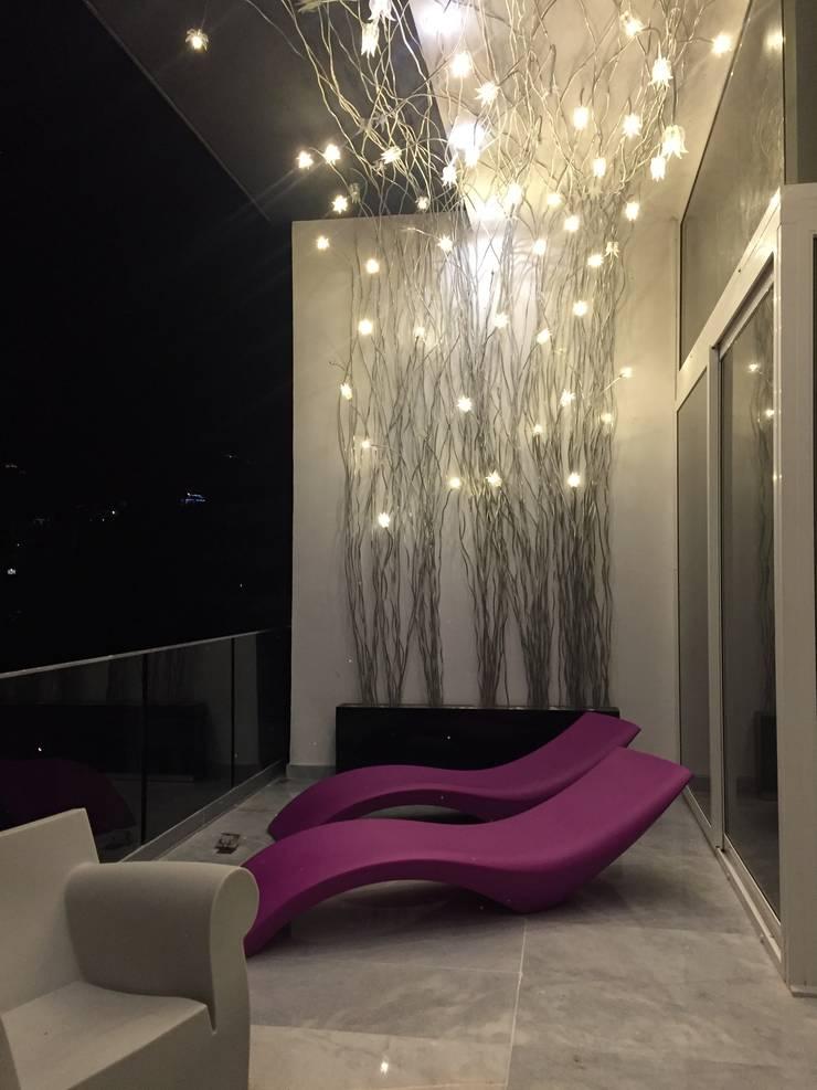PH D Terrace zona romantica: Terrazas de estilo  por DECO Designers