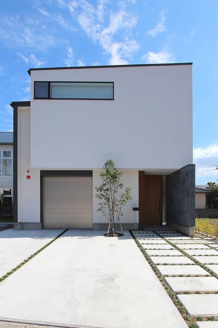 久安の家 M house: MAG + 宮徹也建築計画が手掛けた家です。,モダン