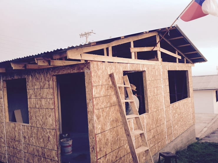 Casa Prefabricada 36 mt2.   Forrada: Casas de estilo rústico por Construcciones JYR