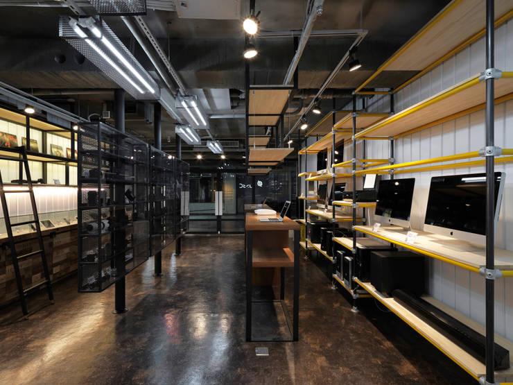 US3C優勢科技-二手3C賣場 設計:  購物中心 by 光島室內設計
