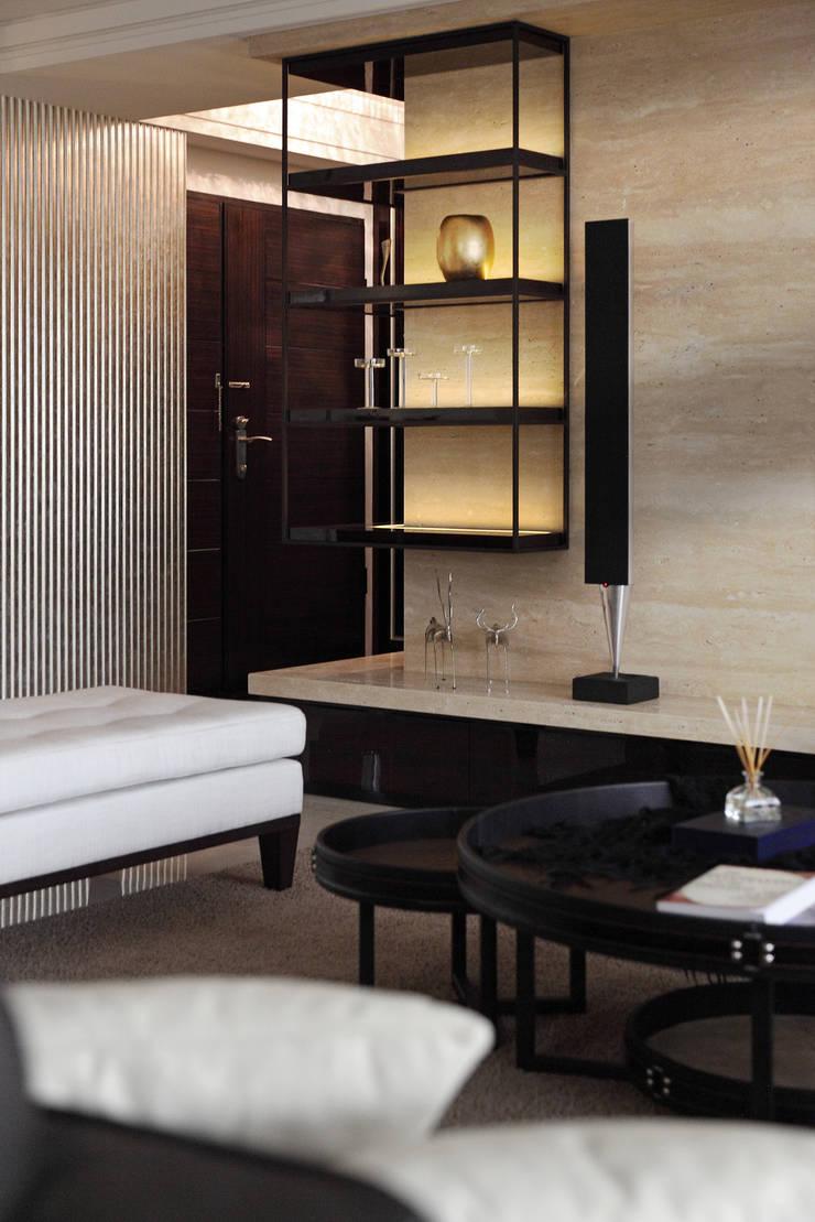 Living room by 大荷室內裝修設計工程有限公司