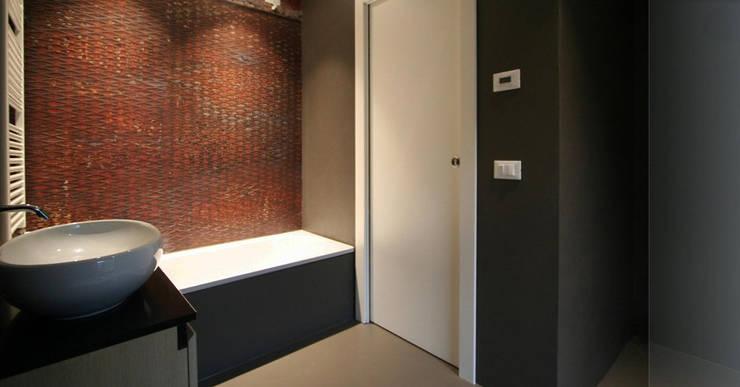 Bathroom by Studio Maggiore Architettura, Modern