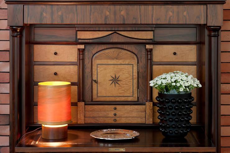 Pormenor decoração : Salas de estar  por B.loft