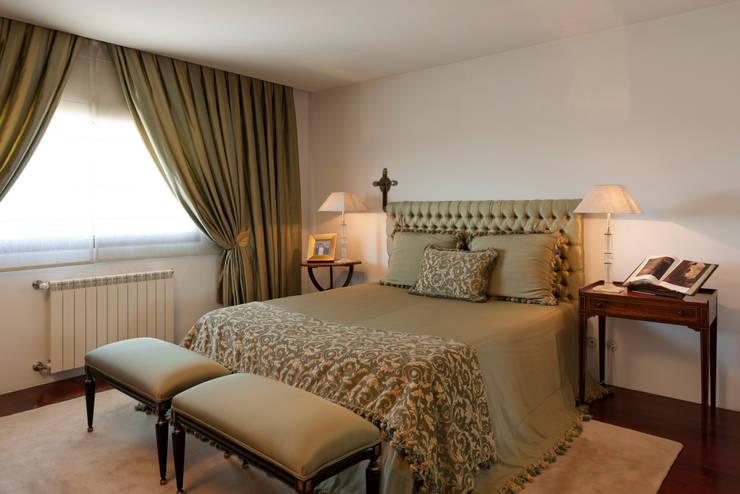 Vista geral do quarto: Quartos  por B.loft