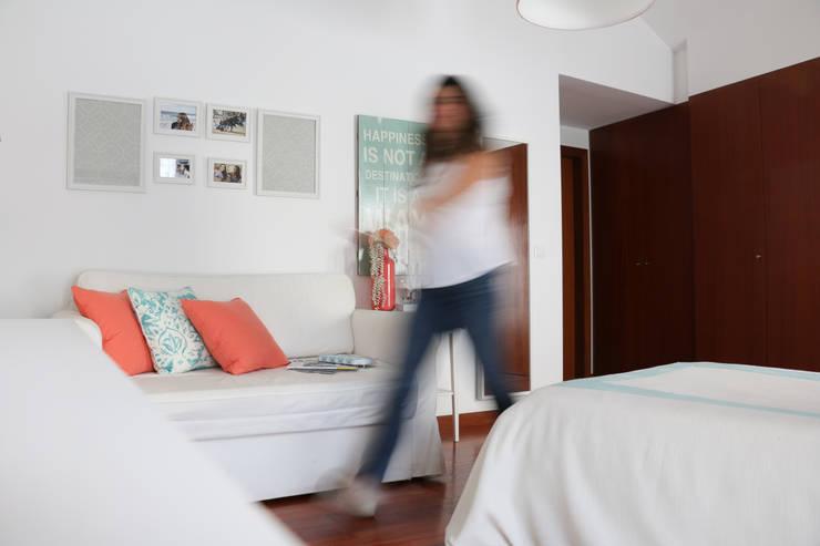 Camera da letto in stile  di Perfect Home Interiors