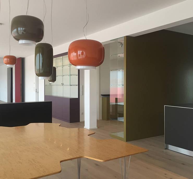 Blick vom Essbereich:  Esszimmer von angela liarikos architecture + design