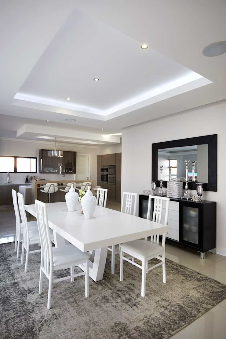 Waterfall Estate New Home:  Dining room by Blaque Pearl Lifestyle