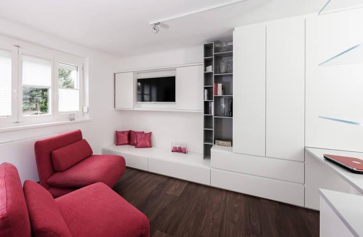 غرفة المعيشة تنفيذ Cordier Innenarchitektur
