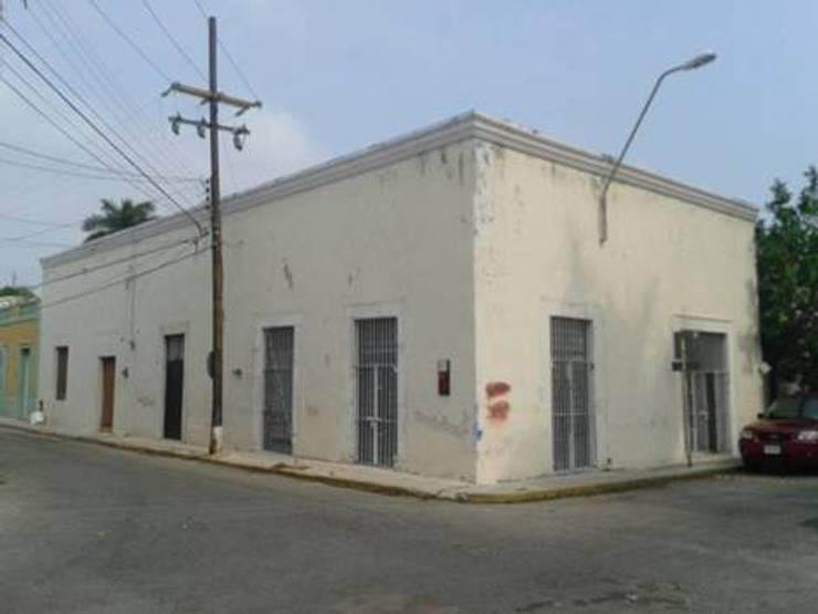 Vista de las fachadas estado original.:  de estilo  por Creatividad y Construcción ( CREACON )