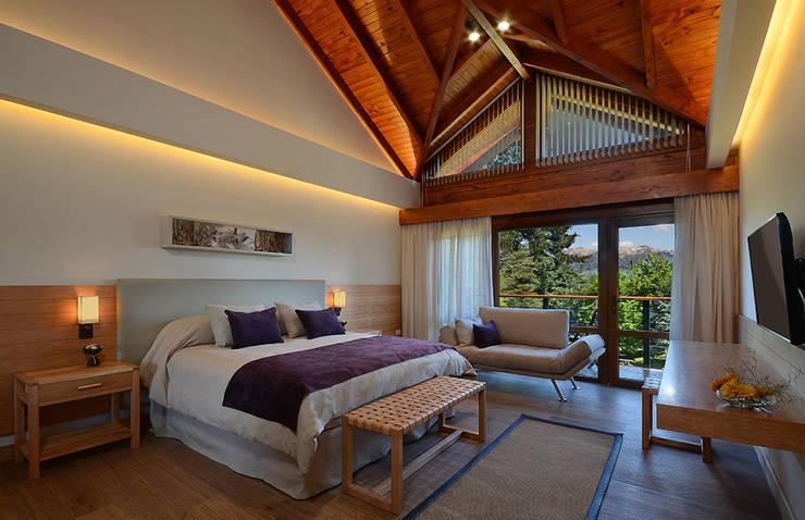 Habitaciones de categoria: Hoteles de estilo  por INTEGRAR DISEÑO
