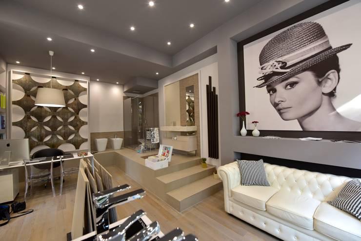 Oficinas y locales comerciales de estilo  por La Posa Style