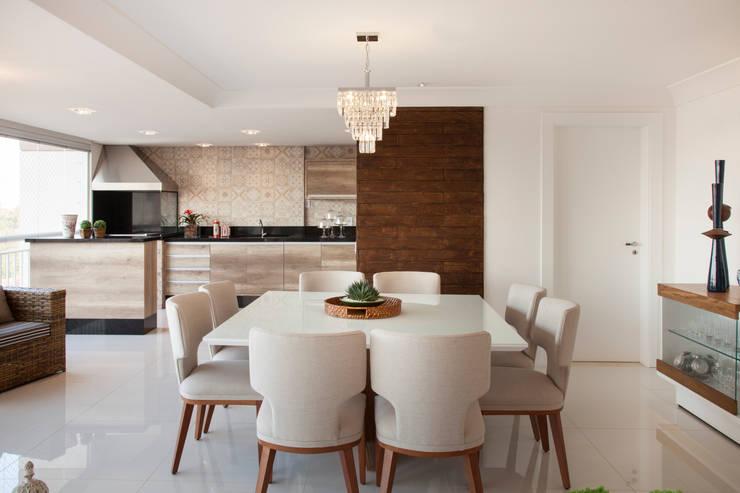 Comedores de estilo moderno por Ahph Arquitetura e Interiores