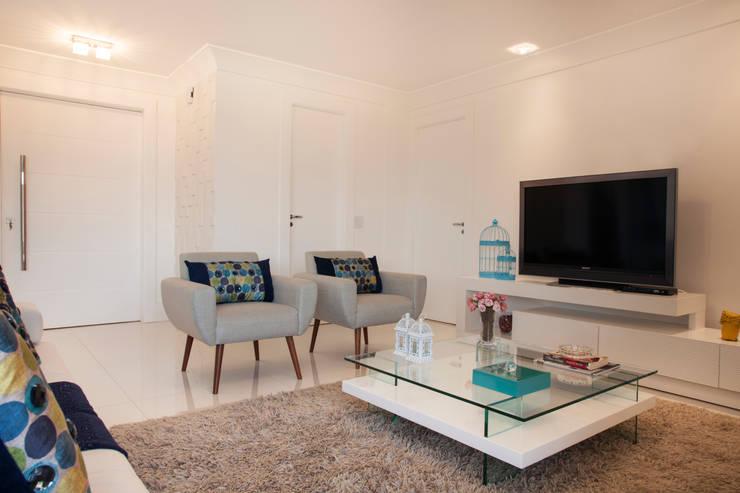 Salas / recibidores de estilo  por Ahph Arquitetura e Interiores, Moderno