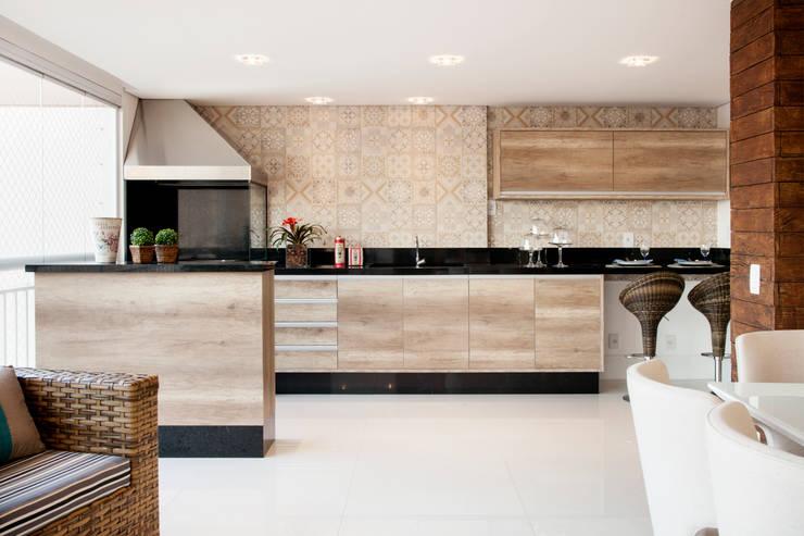 Terrazas de estilo  por Ahph Arquitetura e Interiores, Moderno