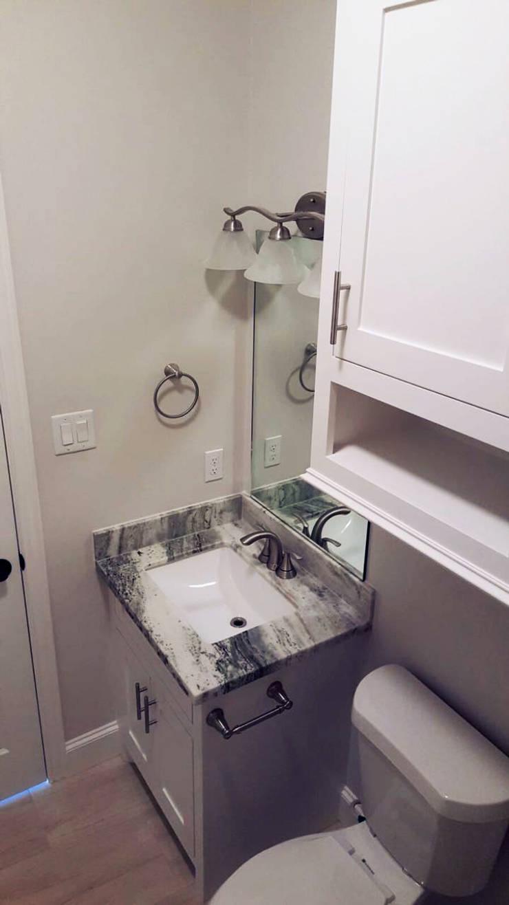 現代浴室設計點子、靈感&圖片 根據 Banda & Soldevilla Arquitectos 現代風
