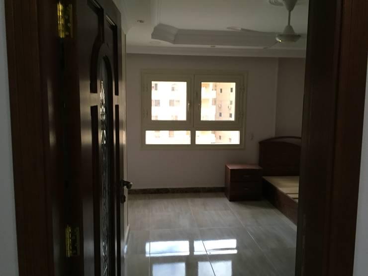 Dormitorios de estilo  de الرواد العرب