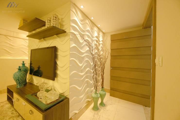 Salas / recibidores de estilo moderno por Mariana Chalhoub