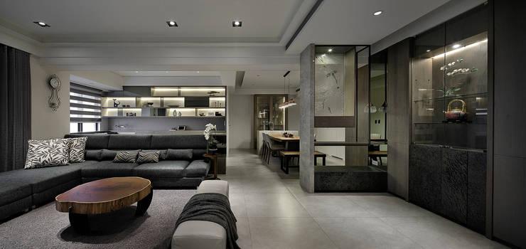 Salon de style  par 大荷室內裝修設計工程有限公司, Moderne