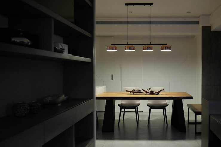 Dining room by 大荷室內裝修設計工程有限公司