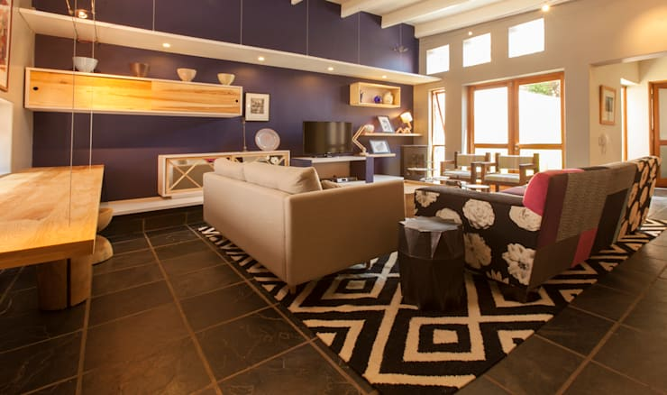 House B Jozi:  Living room by Redesign Interiors, Eclectic