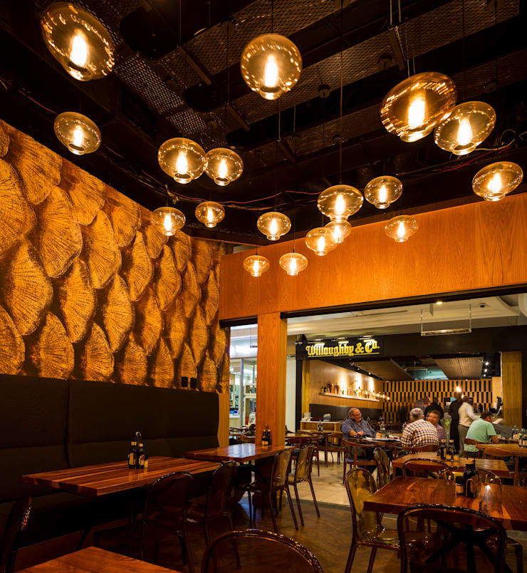 Willoughby's & Co - Restaurant Fine Dining area:  Bars & clubs by Premiere Design Studio