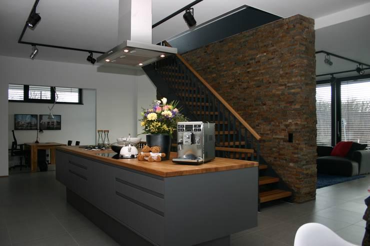 Кухни в . Автор – Heinz von Heiden GmbH Massivhäuser