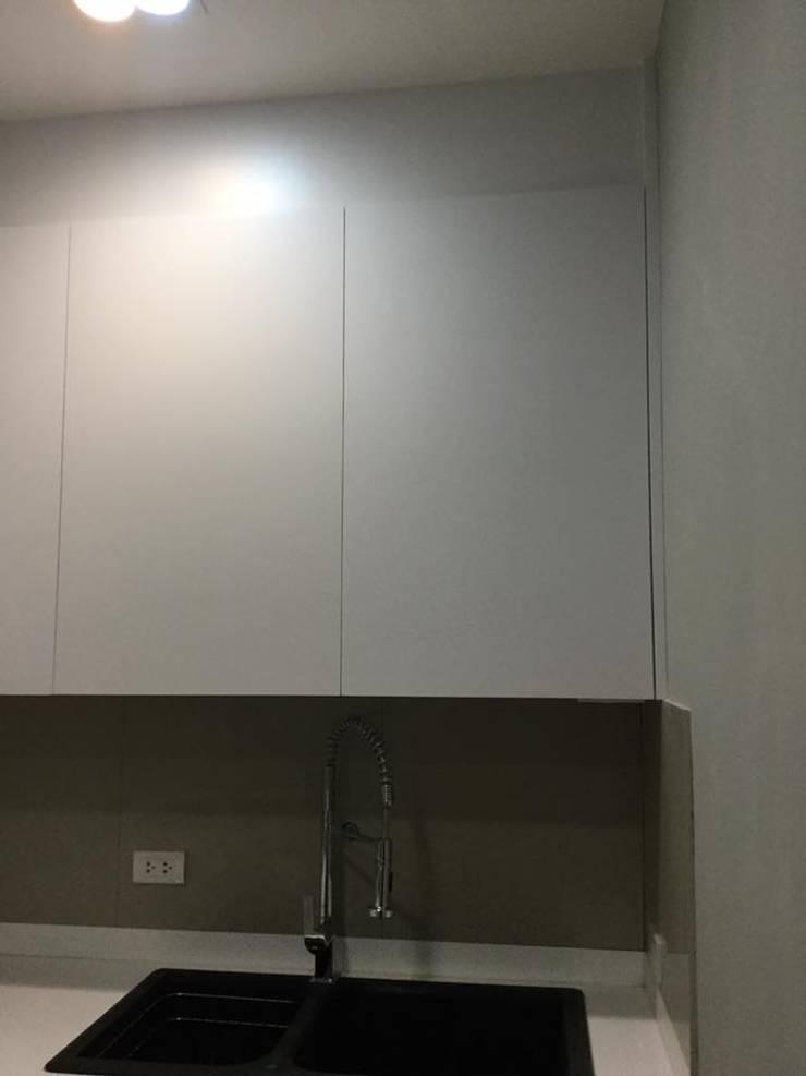 ชุดครัวสีขาว:   by บริษัท บ้านฟ้าโอบ จำกัด