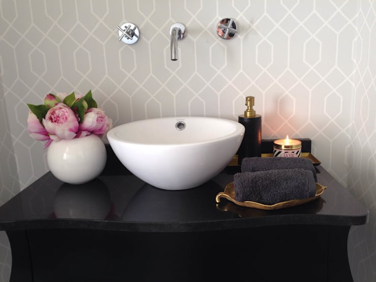Bagno in stile  di Perfect Home Interiors