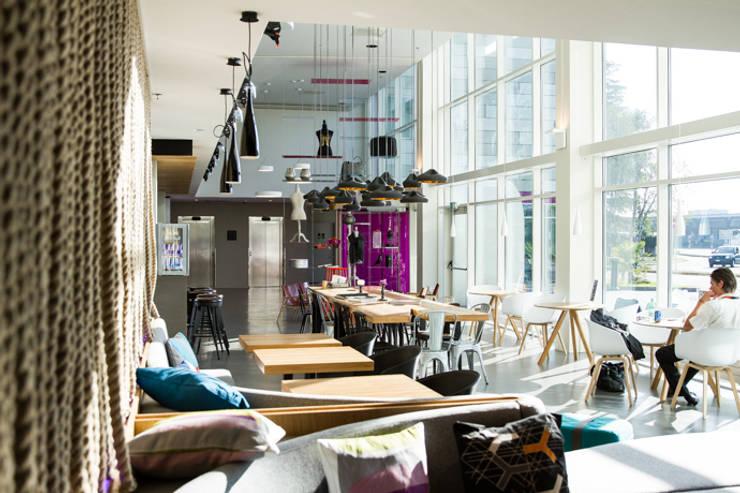 moxy hotels:  Hotels door APTO Architects