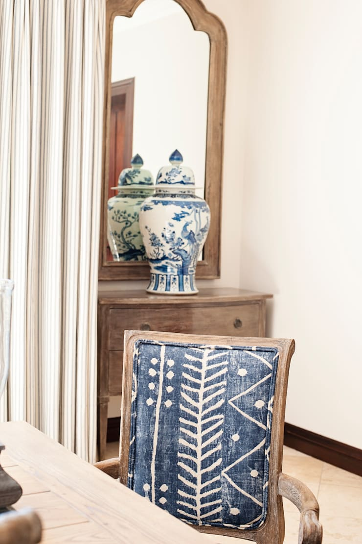 Dining Room Details:  Dining room by Tru Interiors, Country