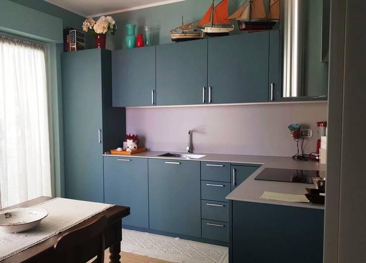 Cocinas de estilo  por Vibo Cucine sas di Olivero Bruno e c.